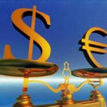 Евро деше веет из-за опасе ний, связан ных с долго вым кризи сом в евро зоне, но его паде ние в паре с долла ром