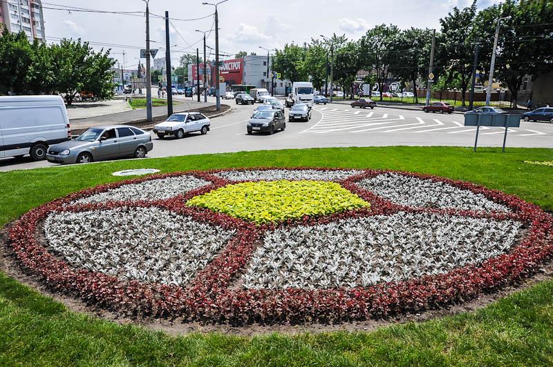 В Харькове готовятся высаживать клумбы