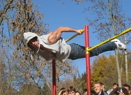В Харькове откроют два центра для молодежного спорта – street workout