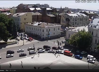 ВХарькове из-за пакета сжурналами эвакуировали посетителей кафе