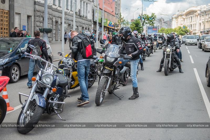 Кернес пообщался с мотоциклистами: запрет на движение мотоциклов будет (видео) фото 2