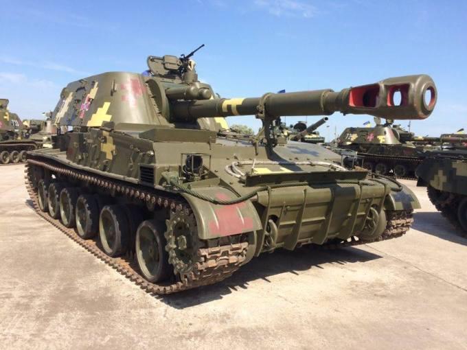 Порошенко передал армии военную технику