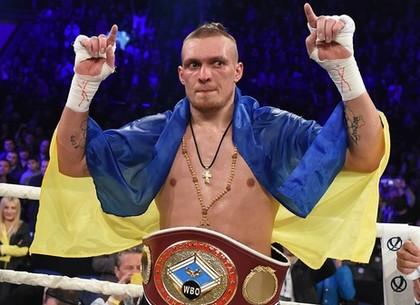 Усик— боксер года поверсии WBO