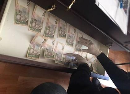 НаХарьковщине навзятке словили налоговика-начальника