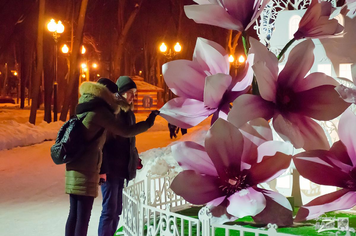 Подготовка ко Дню святого Валентина в Харькове: городские парки становятся меккой влюблённых (фото)