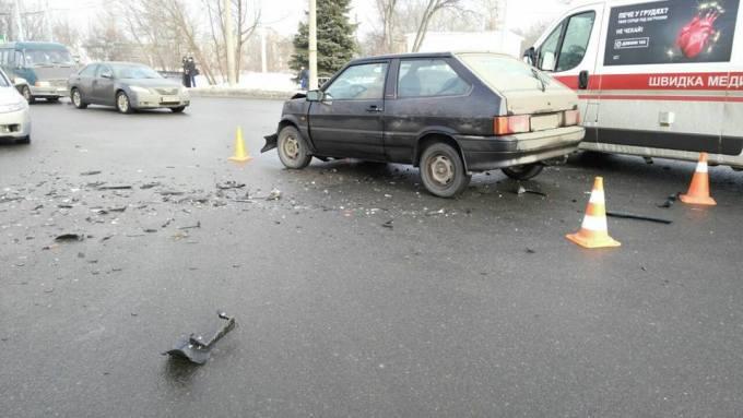ДТП: Пострадали водители (ФОТО)