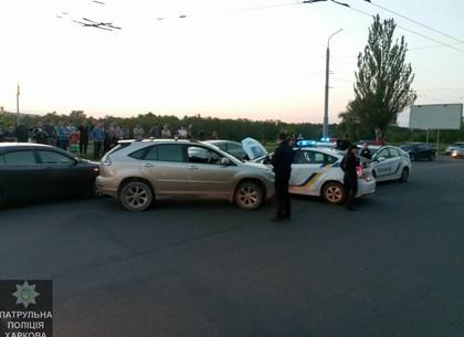 ВХарькове нетрезвый шофёр вовремя погони таранил машины милиции