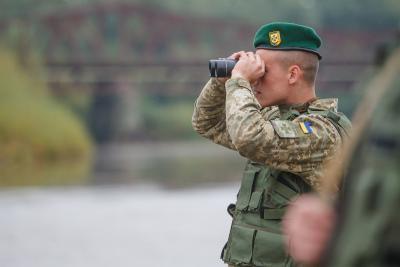 НаХарьковщине таможенники  задержали украинца, который работал намедиа-ресурсы боевиков