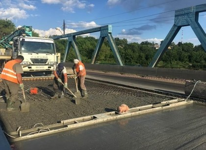 Дорожники рассказали, когда откроют мост в Балаклейском районе
