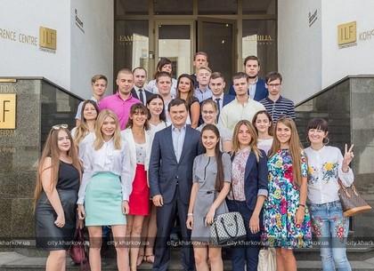 «Школа помощника депутата»: Выпускники проекта встретились с народным депутатом Украины
