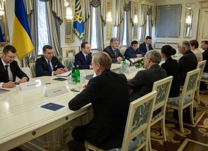 Порошенко: Украина расширит сотрудничество с США во многих сферах