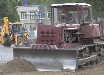 В школах Харькова продолжают реконструировать стадионы