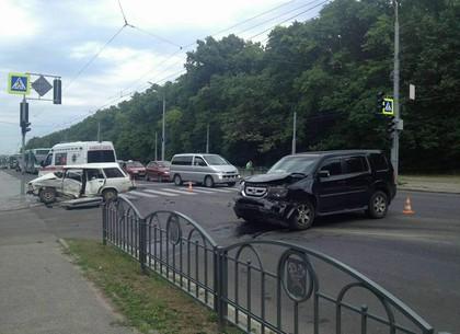 Возле Мемориала столкнулись  ВАЗ и Honda