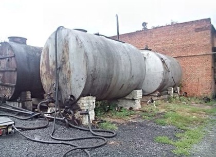 На подпольных мини-заводах изготавливали дизельное топливо и бензин