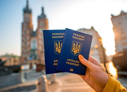 Таможенники говорят, что безвиз несильно увеличил поток украинцев вЕС
