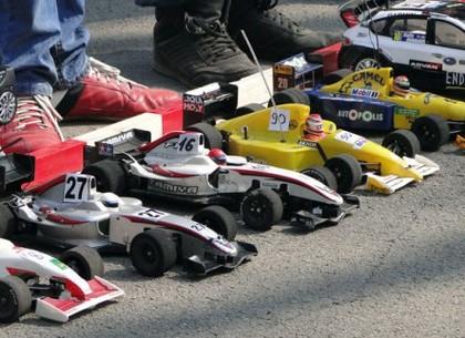 В Харькове состоялись всеукраинские соревнования по автомодельному спорту