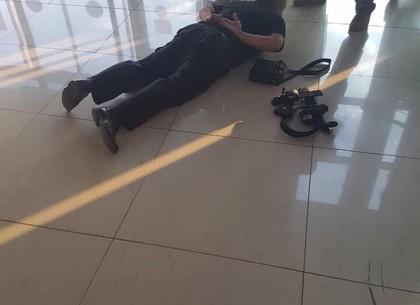 В аэропорту копы требовали взятки с иностранцев. Открыто уголовное производство