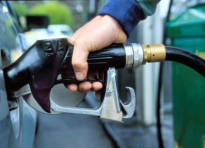 Большие сети АЗС вновь повысили цены набензин идизтопливо