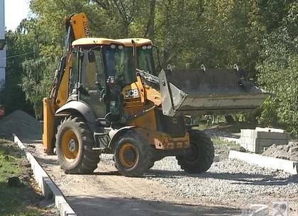 В Харькове ремонтируют подъездные дороги
