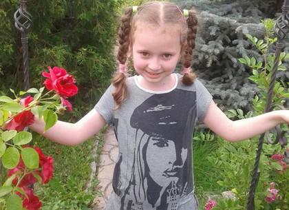 Семилетней Анне Кившик срочно нужна помощь