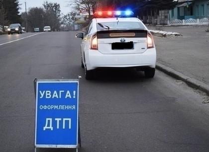 Тройное ДТП навъезде вХарьков: умер шофёр легковушки
