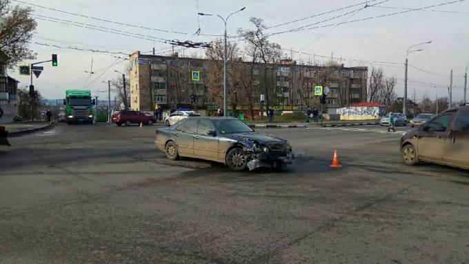 Харьковчанка пострадала от столкновения автомобилей (ФОТО)