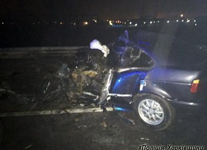 В Харькове иномарка влетела в автобус: есть погибший и пострадавшие