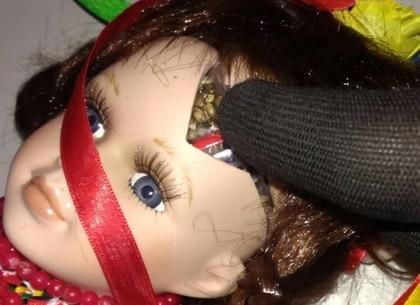 НаХарьковщине пограничники обнаружили куклу с«сюрпризом»