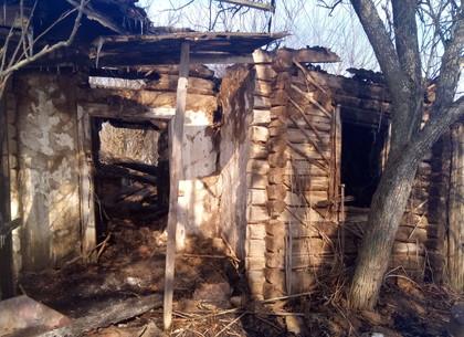 Ночью на Харьковщине горело жилое здание