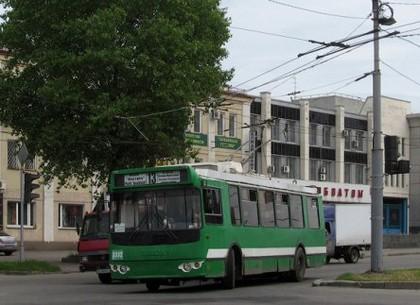 В пятницу с утра три троллейбуса будут ходить по другому маршруту