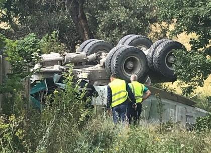 О состоянии здоровья водителя упавшего с моста грузовика рассказали в горсовете
