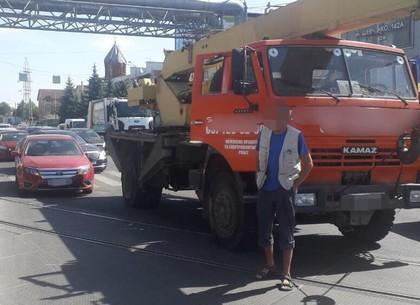 ДТП на Шевченко: КамАЗ въехал в личное пространство Ford