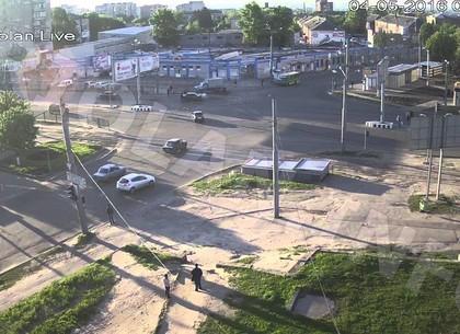 Сроки ремонта разбитого фурами перекрестка сообщили в горсовете