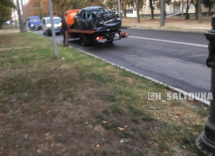 ДТП: на Маршала Жукова - крепкий поцелуй фургона
