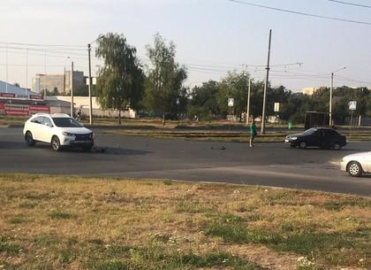 На Алексеевке Lexus спровоцировал ДТП