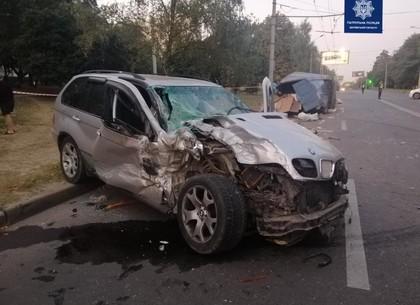 На Салтовке столкнулись BMW и ГАЗ