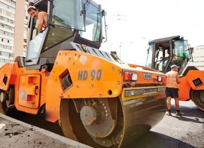 Игорь Терехов: До зимы в Харькове отремонтируют еще 70 внутриквартальных дорог