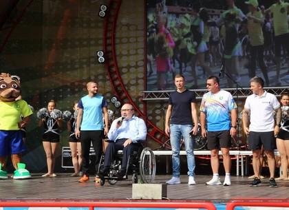 Геннадий Кернес открыл ярмарку спорта в парке Горького