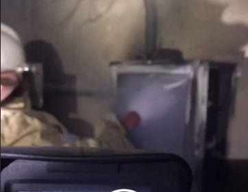 Пожарные оперативно потушили возгорание в щитовой жилого дома