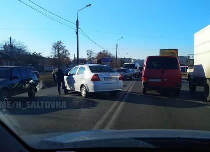 В полдень авария собрала пробку возле Французского бульвара