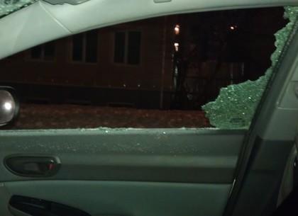 В Харькове ограбили автомобиль нардепа