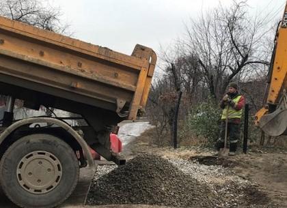 Бригады «Харьковводоканала» приводят в порядок территорию на местах разрытий