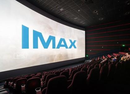 Чем отличается IMAX от обычного кинотеатра