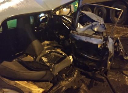На Полтавском Шляхе в такси со встречки вылетел ВАЗ: есть погибший