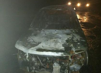 На Сортировке подожгли Land Rover