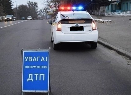 На посту Песочин МАЗ наехал на патрульного