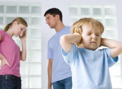 У Харкові почастішали випадки позбавлення батьківських прав у сім'ях з достатком