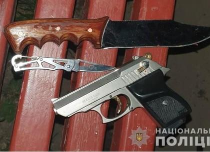 Попытка суицида на Салтовке: самоубийца выстрелил в патрульных из стартового пистолета