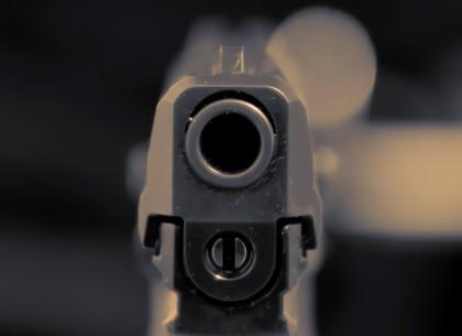 Ночная стрельба в такси: вместо оплаты хулиган начал палить из пистолета
