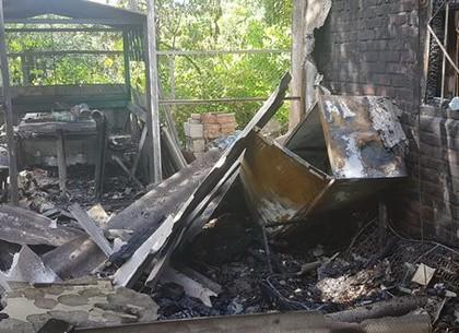 Неосторожное обращение с огнем – и сгорел дачный дом